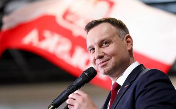 «Ничего личного»: Как Польша воткнула еще один нож в спину Украины