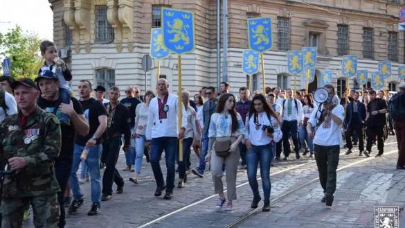«Марши проводили и будем проводить»: как на Западной Украине прославляют дивизию СС «Галичина»